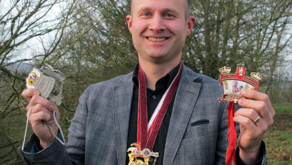 Marco Ringel macht Büttenredner fit für den Auftritt in der Bütt