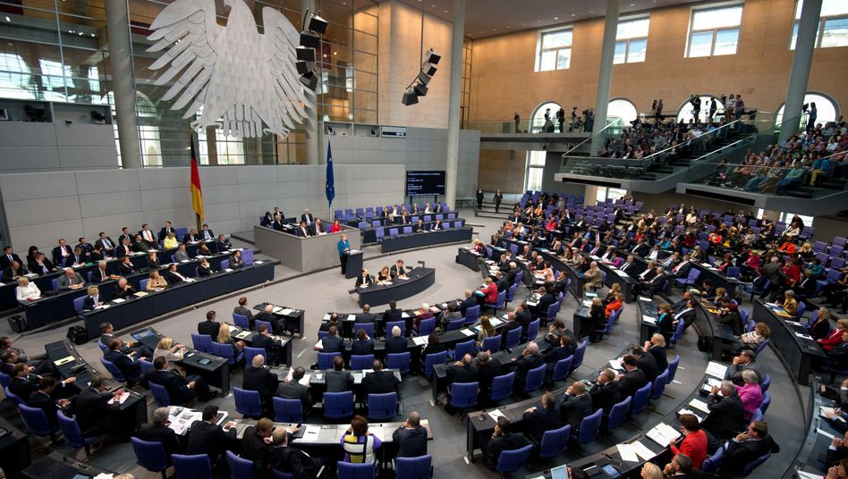 Das Plenum des Bundestags: 15 Ausgleichssitze für SPD, Grüne und Linke