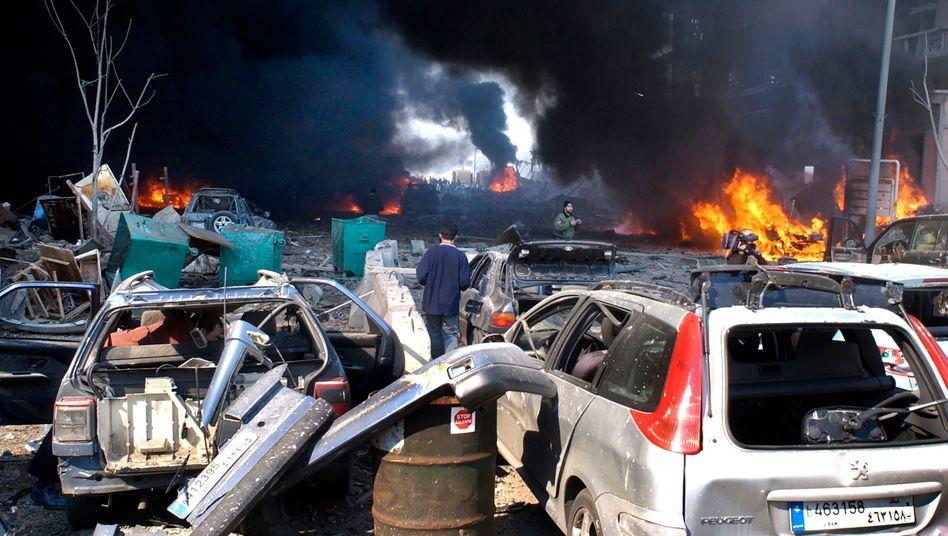 Anschlagsort in Beirut: Hier detonierte eine in einem Lastwagen versteckte Bombe, die den libanesischen Regierungschef Rafiq al-Hariri und 21 weitere Menschen tötete