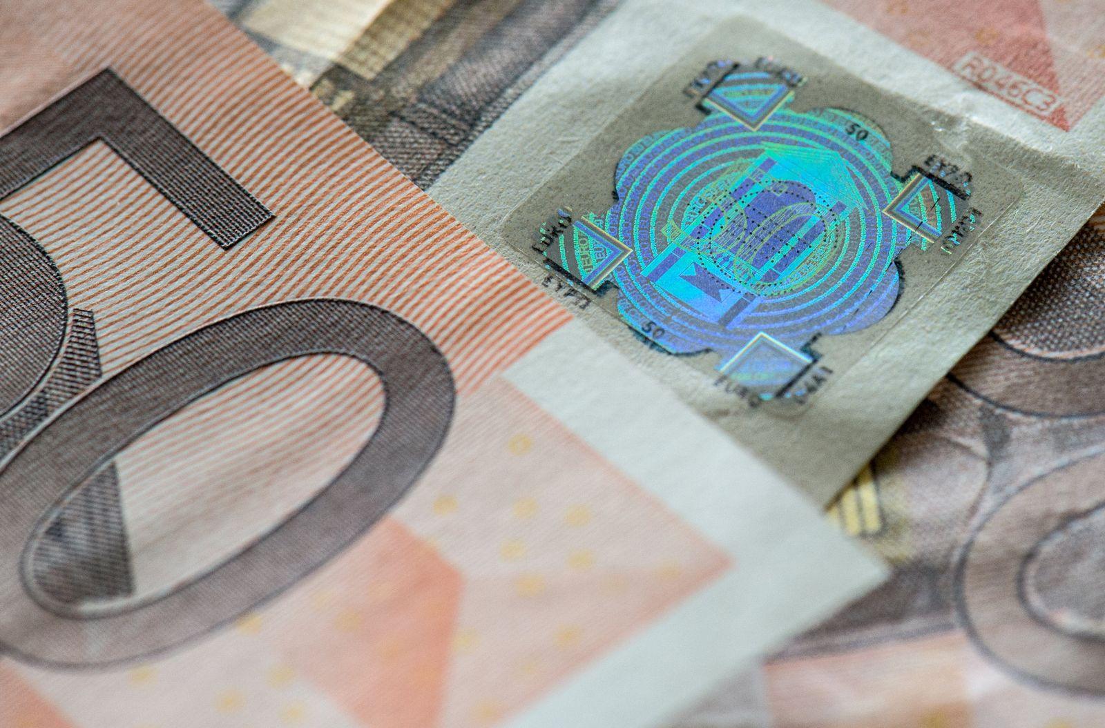 Bundesbank zeigt gefälschte Euro-Noten