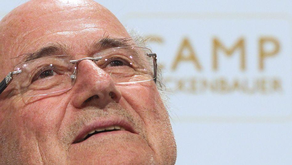 Fifa-Boss Blatter: Die Fußball-Welt mit seinem Vorstoß überrascht