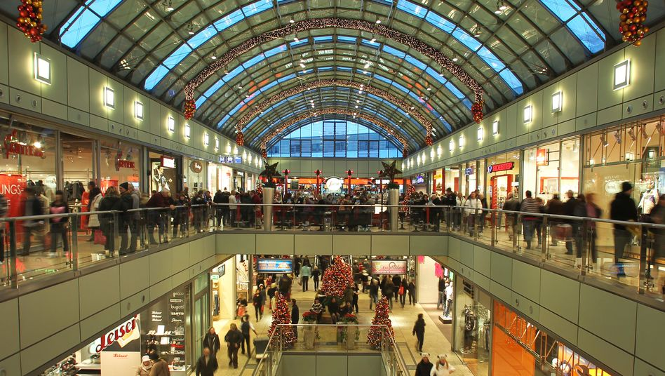 Einkaufszentrum in Magdeburg (Archivbild): Niedrige Teuerungsrate