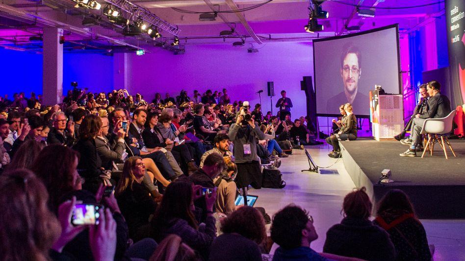 re:publica 2016: Edward Snowden im Livestream