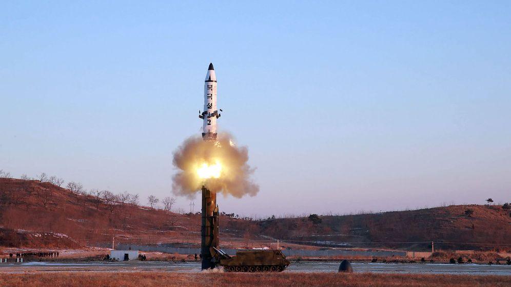 Nordkoreas Raketen: Feststoff-Antriebe und Mini-Atombomben