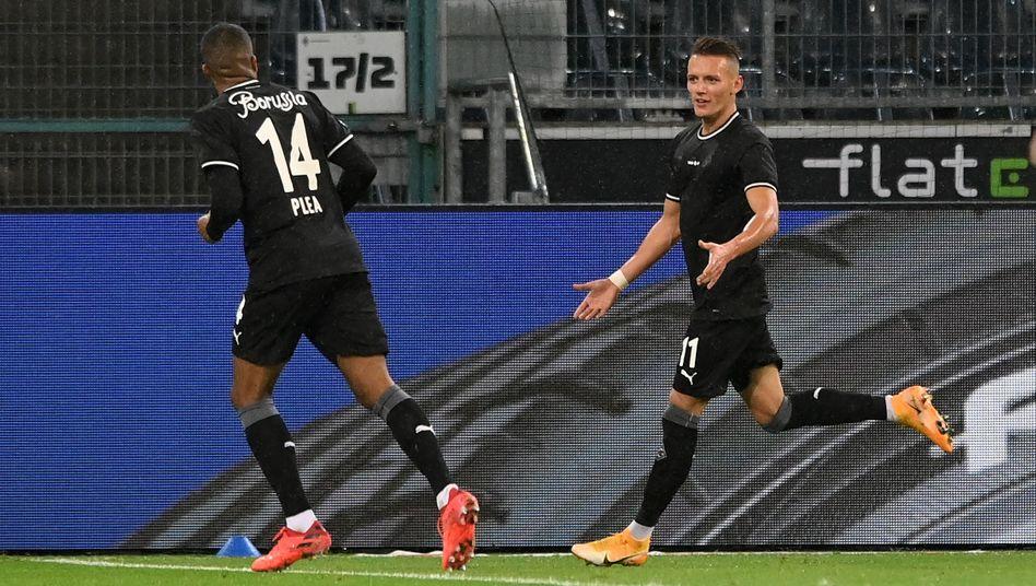 Bundesliga Borussia Monchengladbach Gewinnt Erstmals Gegen Rb Leipzig Der Spiegel