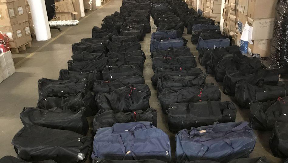 Taschen voller Drogen: So sieht der größte Kokainfund der deutschen Justizgeschichte aus