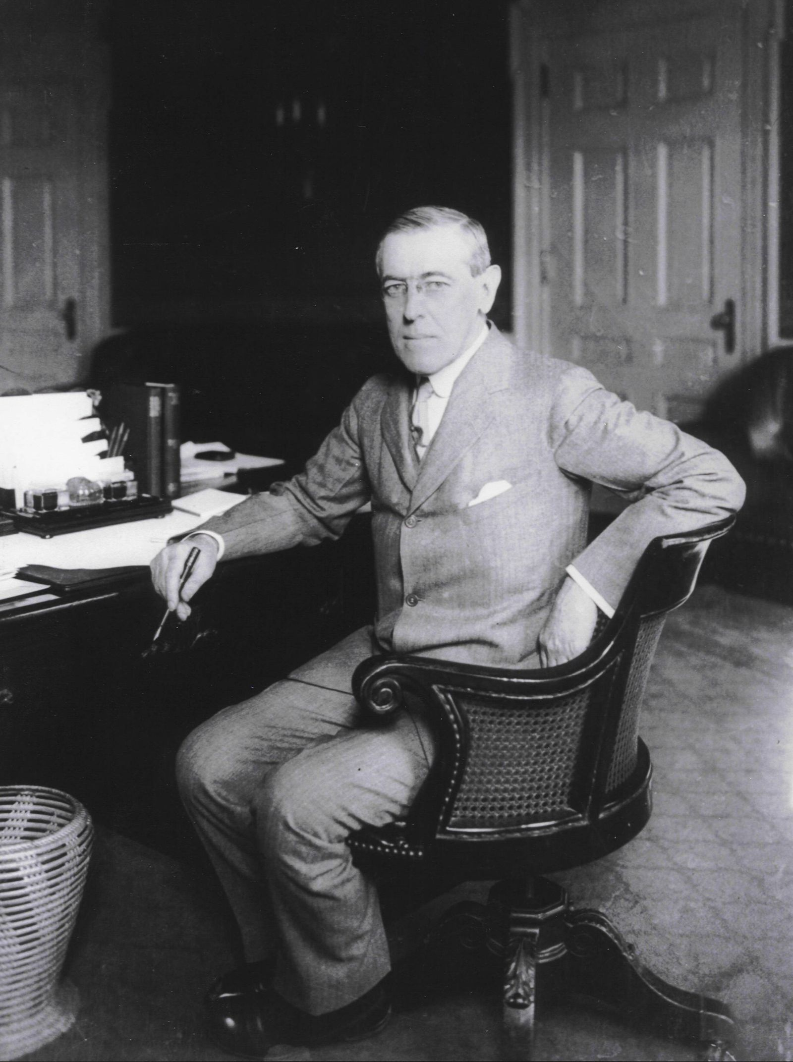 Thomas Woodrow Wilson December 28 1856 – February 3 1924 was the 28th President of the United St