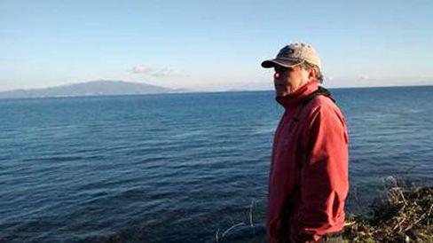 Manolis auf Ausschau am Strand von Lesbos: Nicht nur rumsitzen