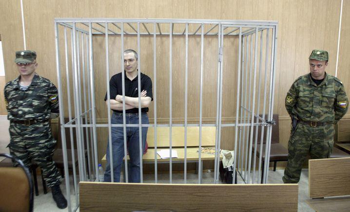 Der zerschlagene Yukos-Konzern wurde lange von Michail Chodorkowski (M.) geleitet