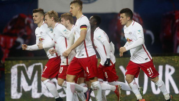 RB Leipzig ringt auch Schalke nieder: Die Serie hält