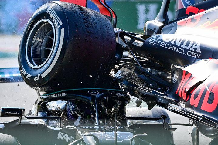 Der Schreckmoment: »Halo hat Lewis heute auf jeden Fall das Leben gerettet«, sagte Mercedes-Teamchef Toto Wolff