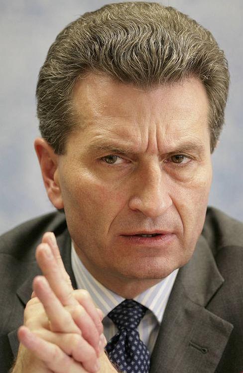 """Ministerpräsident Oettinger: """"Dann strahlt das auf die ganze Branche aus"""""""