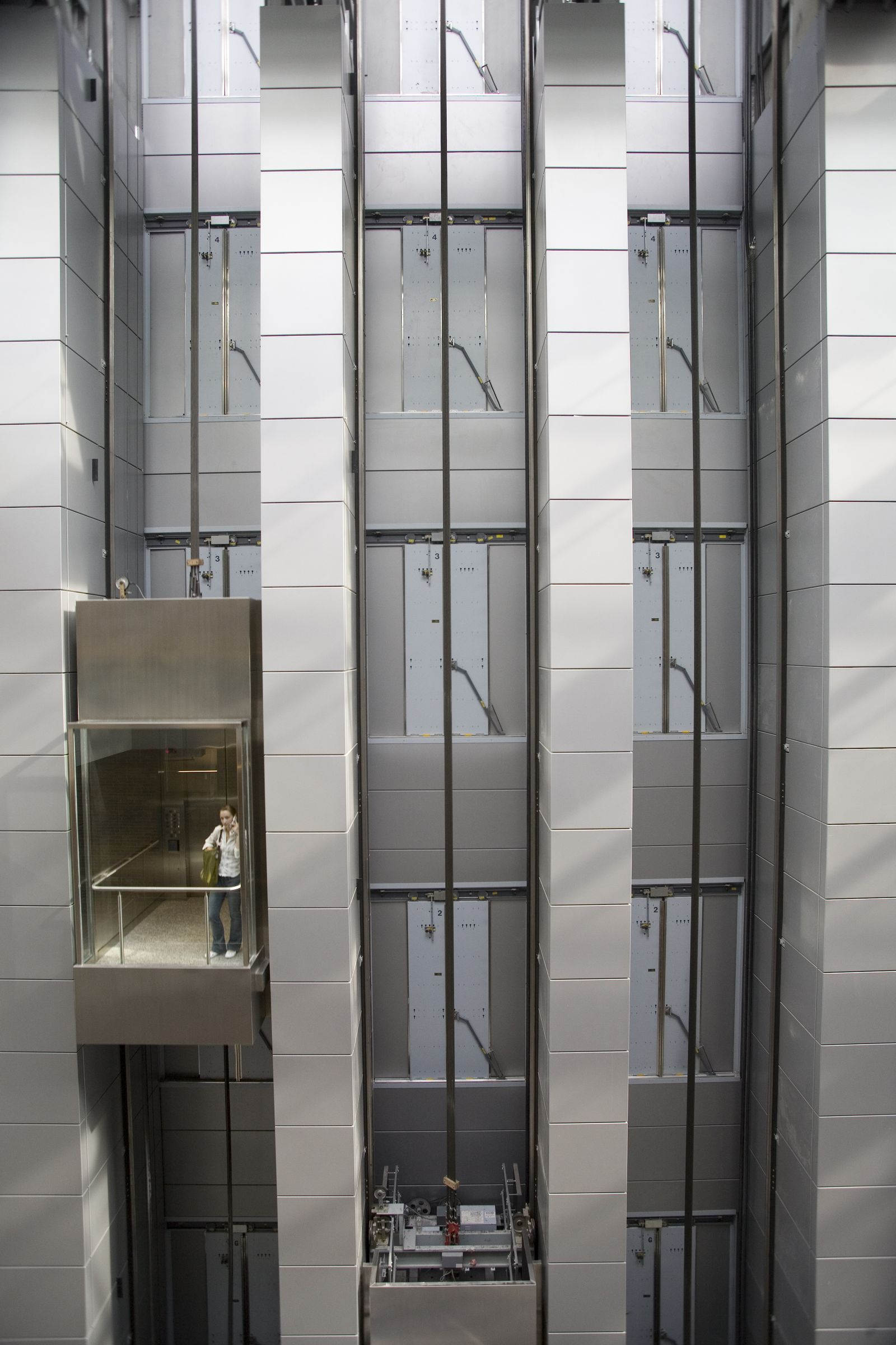 Aufzug MULTI / conventional elevator