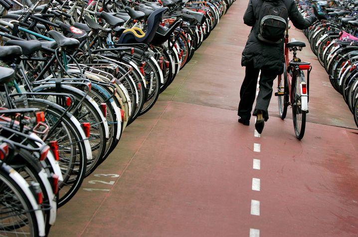 Die Nachfrage nach Fahrrädern ist in der Pandemie stark angestiegen (Symbolbild)