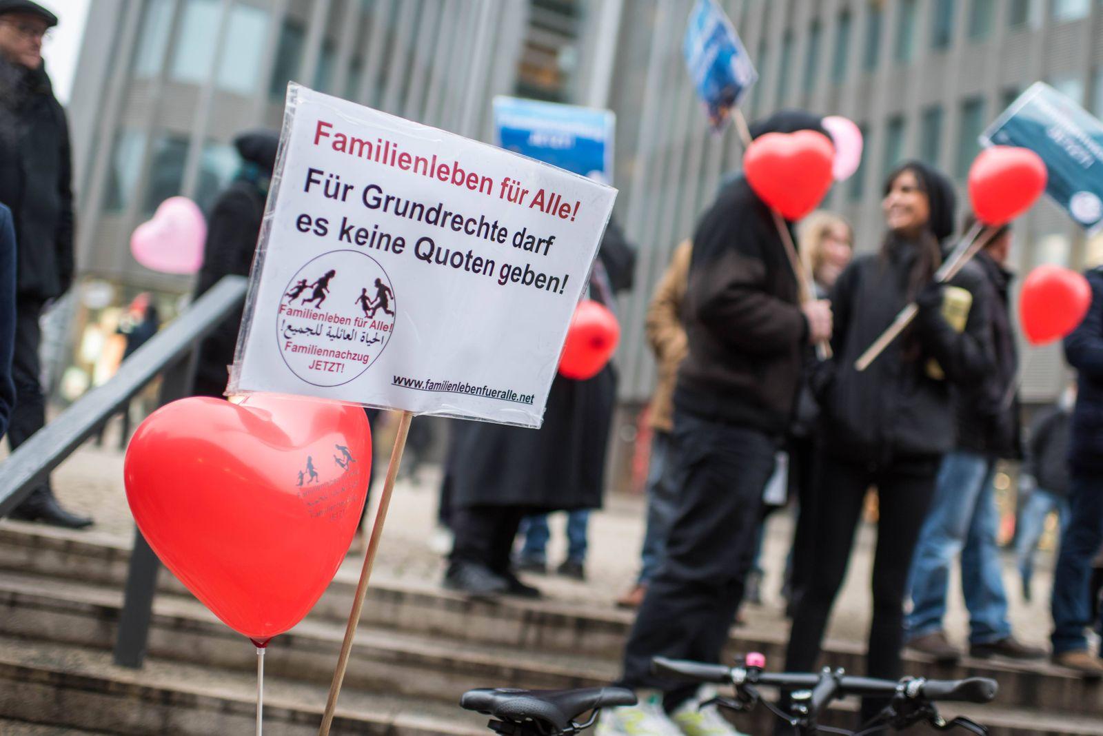 Menschenrechts und Hilfsorganisationen haben am Samstag 02 02 19 in Berlin fuer ein uneingeschrae