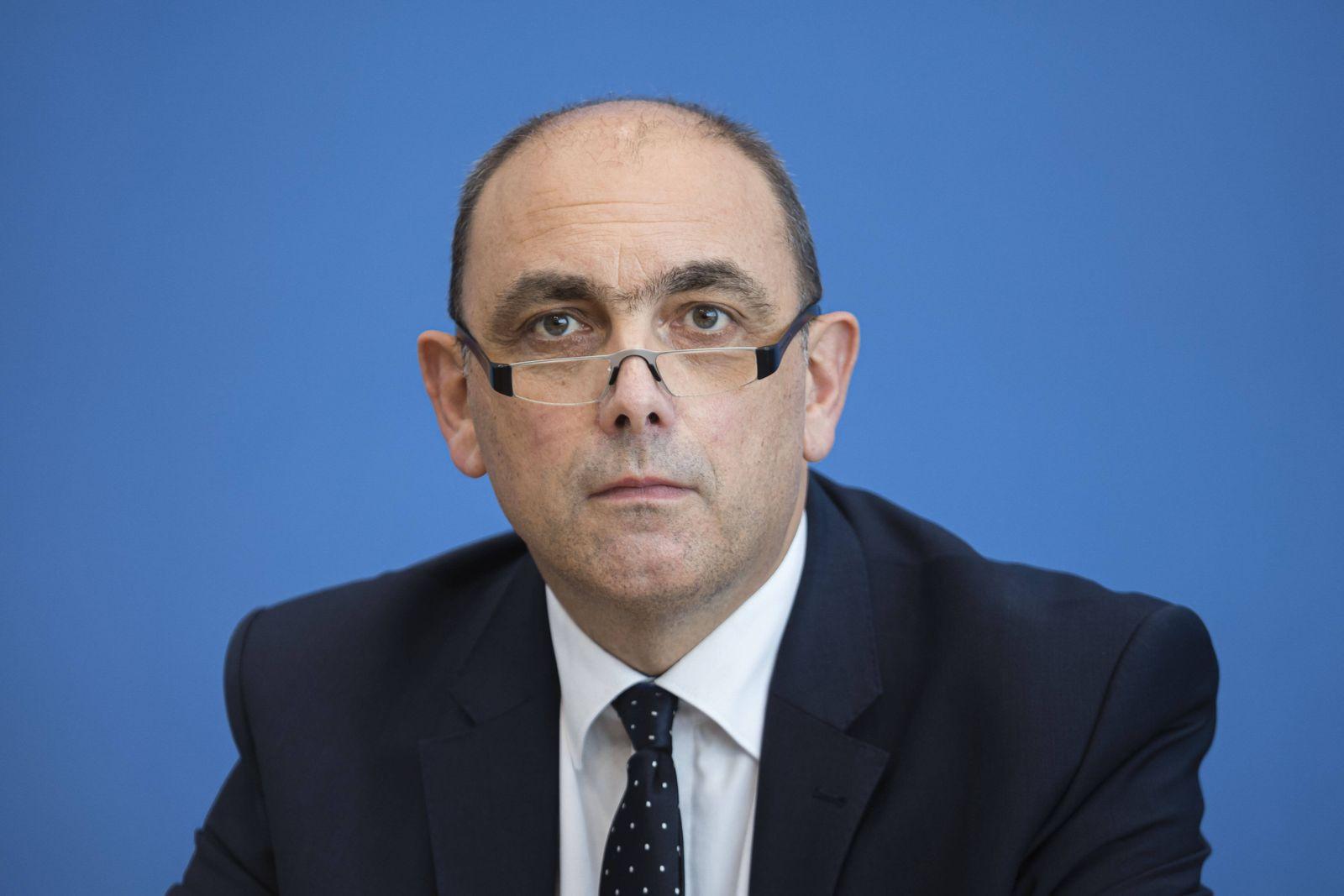 Lars Schaade, Vizepraesident des Robert-Koch-Institut ( RKI ). Berlin, 03.11.2020 Berlin Deutschland *** Lars Schaade, V