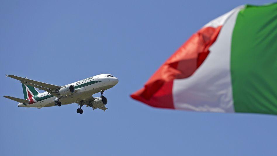 Alitalia-Flieger über Rom: Etihad steigt mit 49 Prozent ein