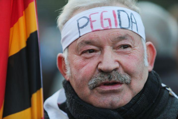 Pegida-Demonstrant in Dresden