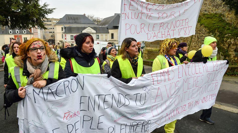 Demonstranten in gelben Westen