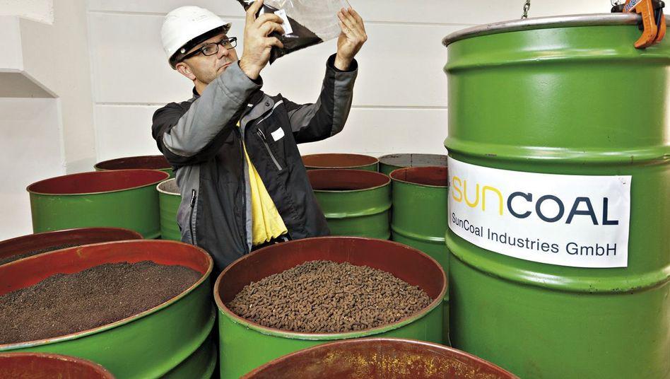 Energiequelle: 200 Kilogramm Gras werden in einer Stunde zu 60 Kilogramm Kohlepillen