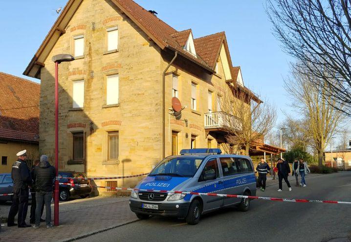 Die Polizei hat den Tatort abgesperrt