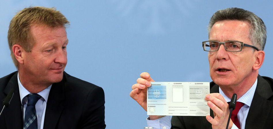 """Bundesinnenminister de Maizière, SPD-Kollege Jäger: """"Sehr viel Einigkeit"""""""
