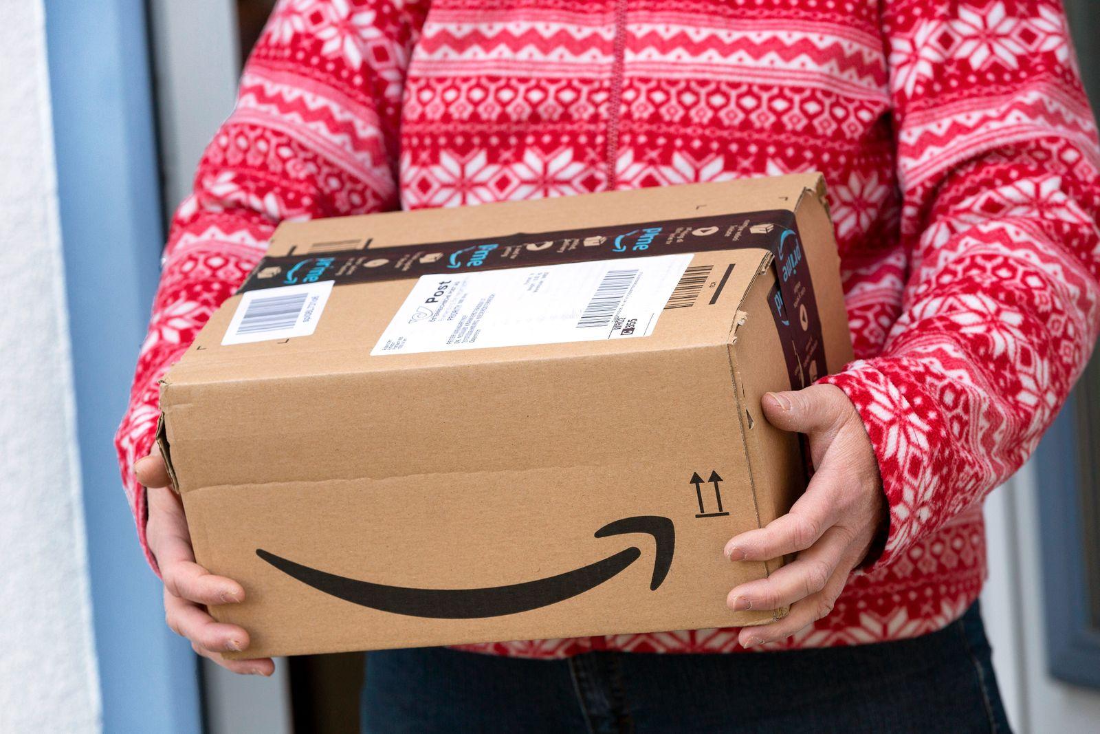 Amazon Prime Paket *** Amazon Prime Package PUBLICATIONxINxGERxSUIxAUTxHUNxONLY 1065517971