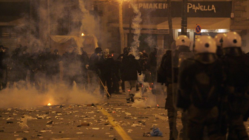 Sparpaket: Debatte, Protest, Krawall