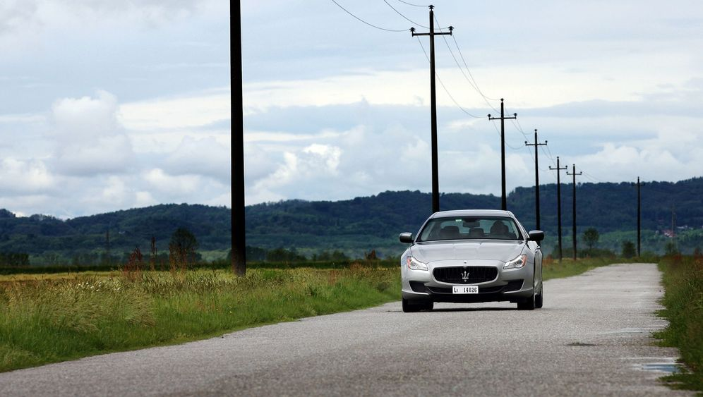 Autogramm Maserati Quattroporte S Q4: Zwei Zylinder weniger