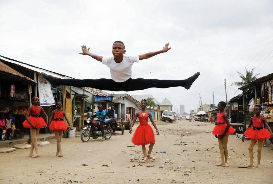 Keiner springt so hoch wie Anthony in den »Grand jeté à la seconde«, den großen Spagatsprung
