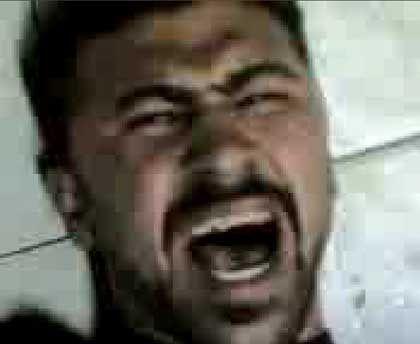 "Szene aus Foltervideo: ""Schon gut, Pascha, es tut mit leid, Pascha!"""
