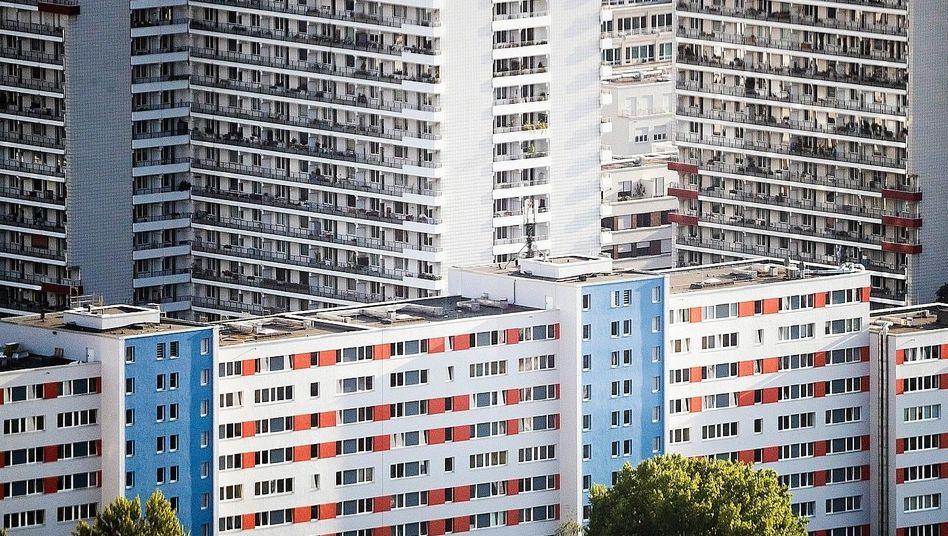 Wohnhäuser in Berlin-Mitte: Selbst die Gegner fordern nun Hilfen für Mieterinnen und Mieter