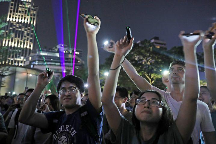 Protestbewegung in Hongkong (2019): Druck anziehen, Anführer verhaften