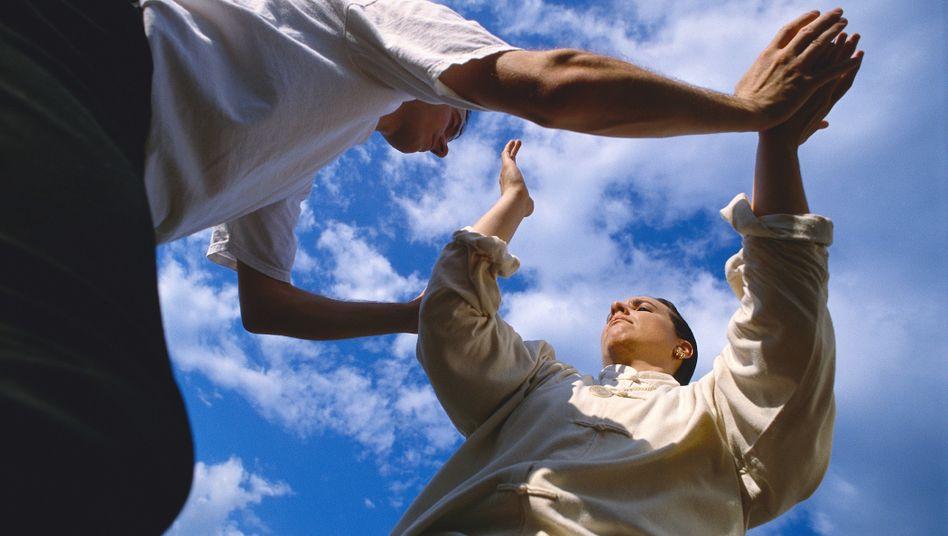 Alles im Lot: Tai-Chi fördert eine gute Haltung