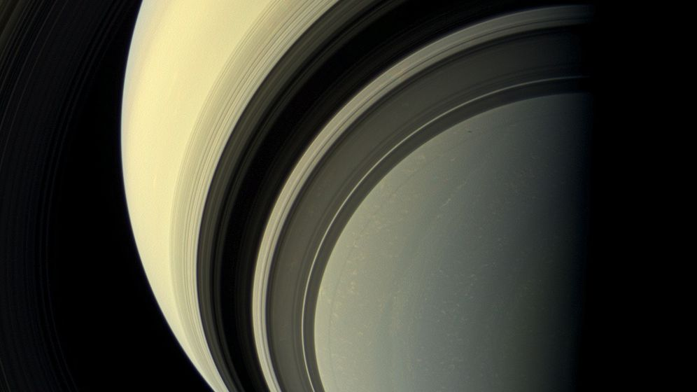 """Cassini""-Aufnahmen: Der Winter naht"