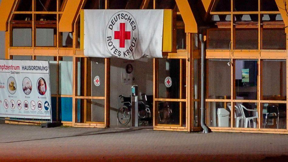 Eingang des Impfzentrums in Treuen