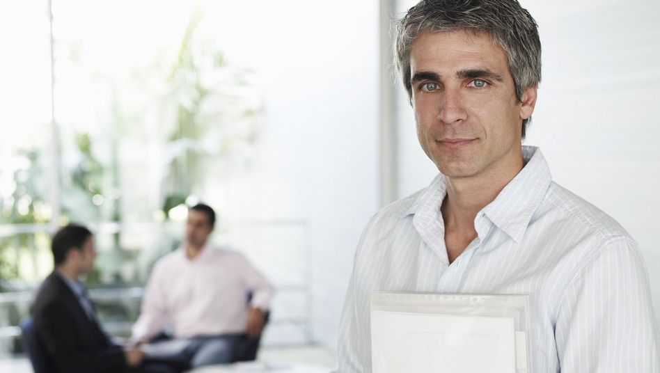 Akten statt Kollegen: Introvertierte sind von permanentem Kontakt überfordert