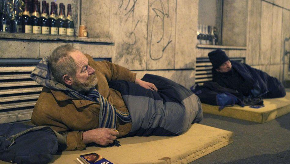 Obdachlose in Budapest (Archivbild): Die Regierung macht ihnen das Leben schwer