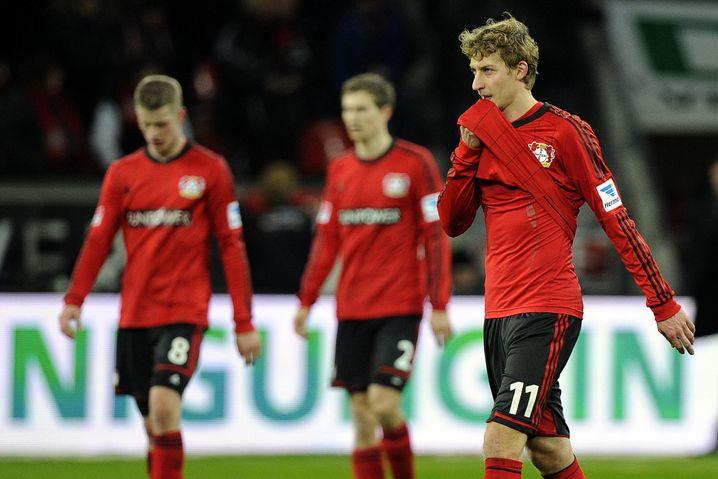 Frustriert in die Halbzeit. Stefan Kießling liegt zur Pause mit Bayer Leverkusen zurück.