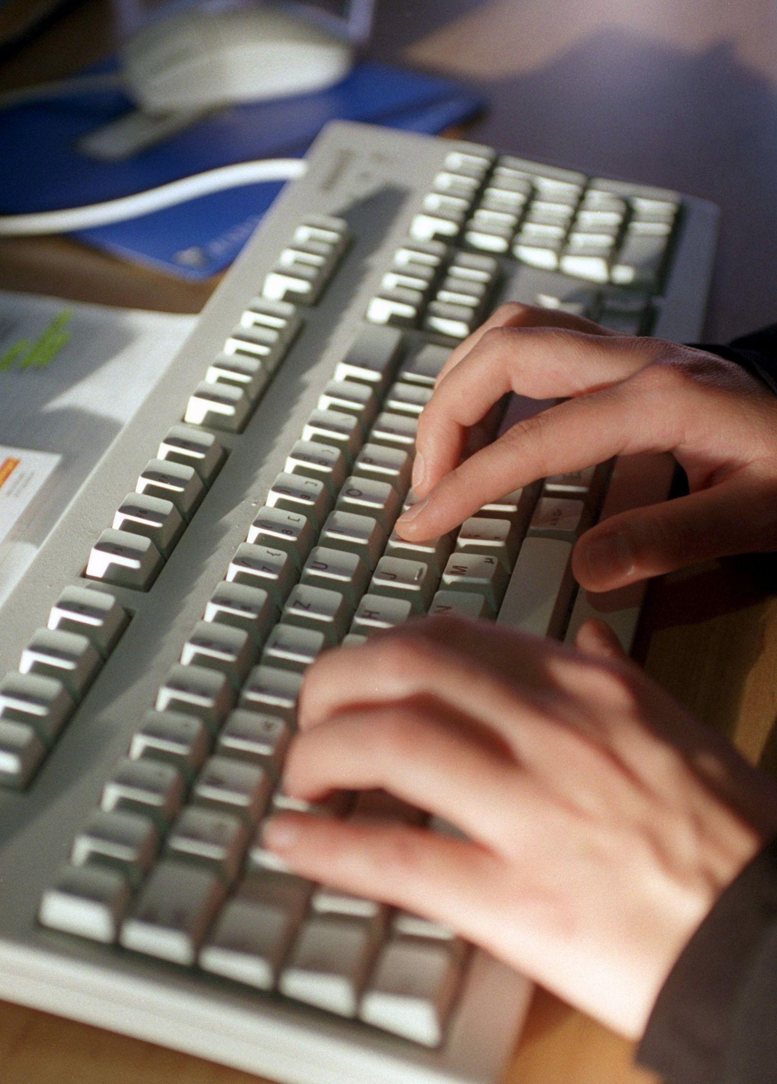 Arbeitsplatz / Computer