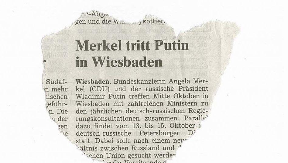 Streng genommen muss es heißen: Merkel trat Putin. (Diese Meldung stammt noch aus der Frühphase von Angela Merkels Amtszeit. Inzwischen hat die Kanzlerin ihre diplomatischen Methoden deutlich verfeinert und haut ihren Kollegen höchstens noch mal auf die Finger.)