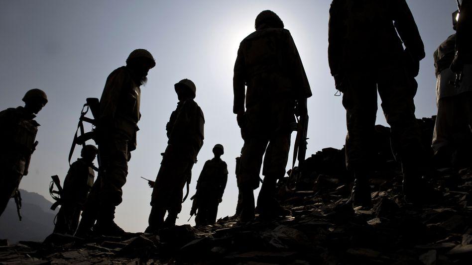 Pakistanische Soldaten in Südwaziristan: Wie hart werden die Taliban bekämpft?