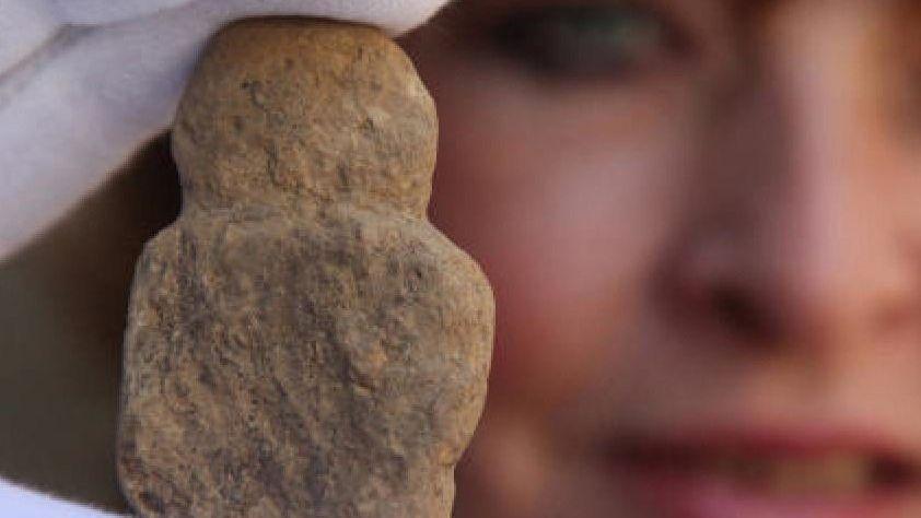 Ausgegrabene »Venusfigur«