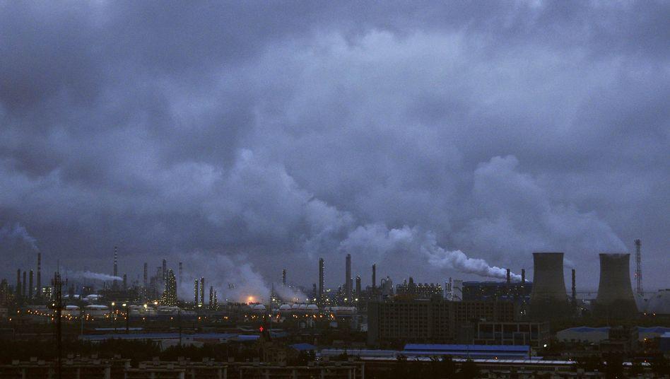 Raffinerie in China: Der Energieverbrauch ist aufgrund des Wirtschaftswachstums rasant angestiegen