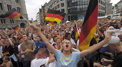 """Deutsche Fans: """"Immerzu siegen und triumphieren"""""""