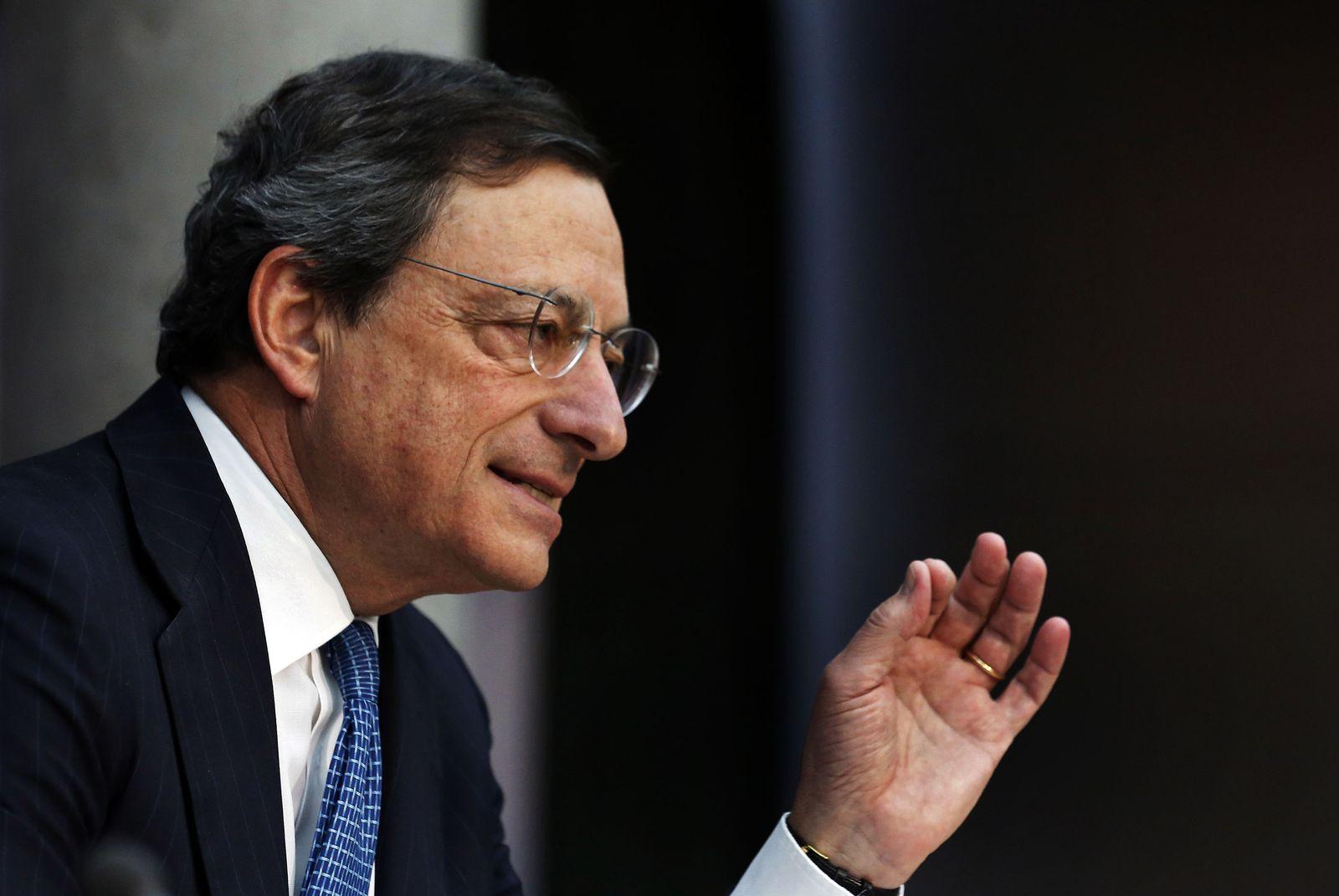 NICHT VERWENDEN Mario Draghi