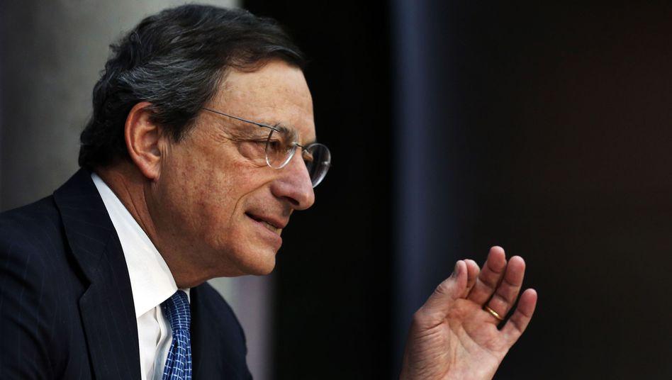 EZB-Chef Draghi (Archivbild): Zypern braucht rund 17,5 Milliarden Euro