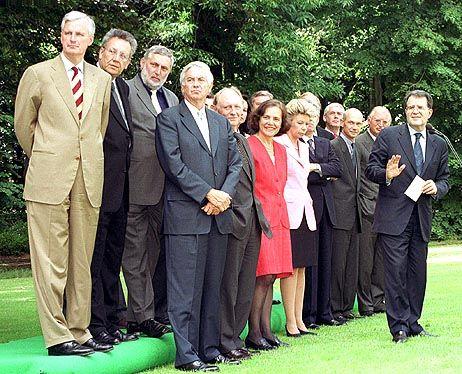 Bis 2005 bestätigt: Die EU-Kommission unter Romano Prodi