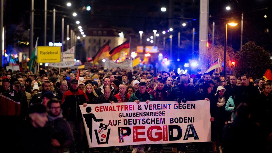 Pegida-Kundgebung in Dresden: Online-Petition am Ende