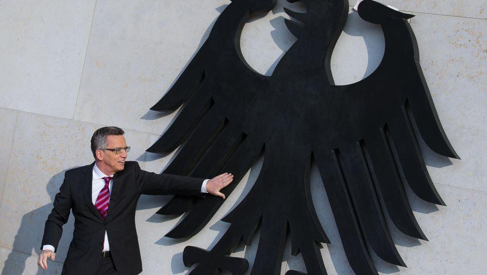 """Innenminister de Maizière: 50 Millionen Euro in seinem Ressort """"verflüchtigt"""""""